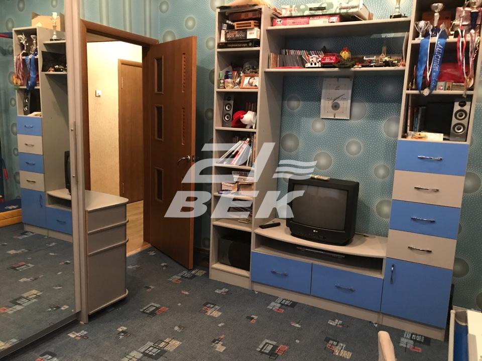 Продам 2-комнатную квартиру в городе Курск, на улице Карла маркса, 23А, 5-этаж 5-этажного Кирпич дома, площадь: 50/31/7 м2