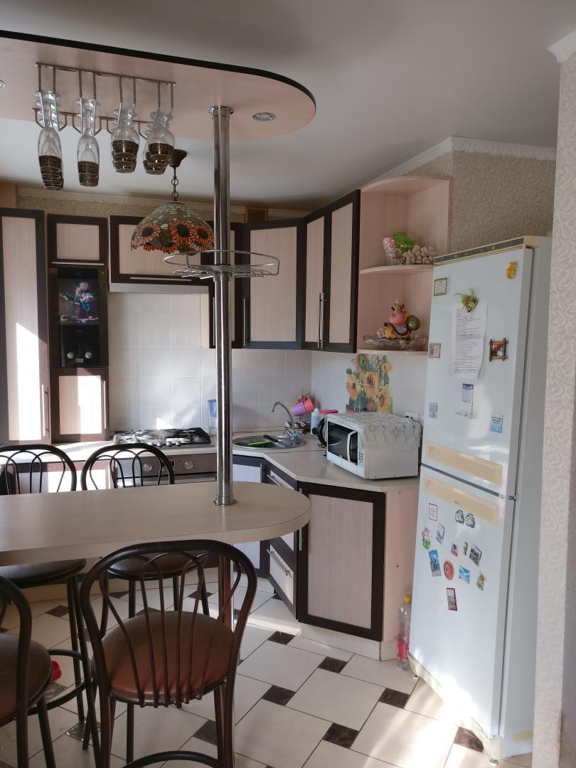 Продается трехкомнатная квартира за 2 199 000 рублей. г Саратов, 1-й Соколовогорский пр-д, д 2.