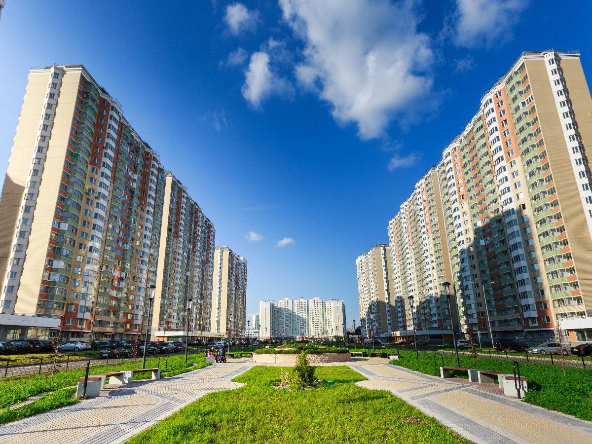 Продается двухкомнатная квартира за 4 390 000 рублей. Московская обл, г Балашиха, мкр Железнодорожный, пр-кт Героев, д 3.
