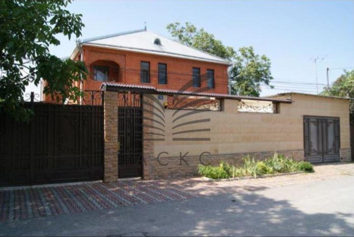 продается кирпичный дом общей площадью 426 к ...