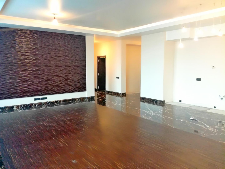 Продается трехкомнатная квартира за 63 000 000 рублей. г Москва, ул Мосфильмовская, д 8.