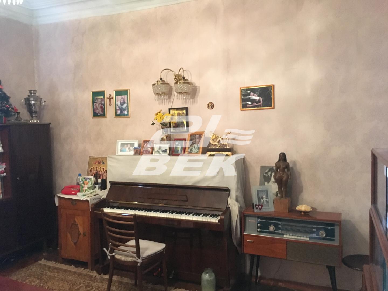 Продам 4-комнатную квартиру в городе Курск, на улице Радищева, 8, 3-этаж 5-этажного Кирпич дома, площадь: 84/66/10 м2