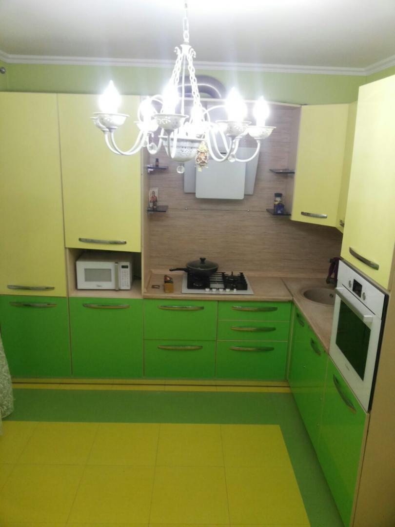 продается двухэтажный коттедж с мансардой, площадью 115 кв.м. и земельный участок, п...