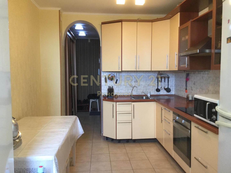 Продается трехкомнатная квартира за 9 250 000 рублей. Троицк, Нагорная улица, 9.