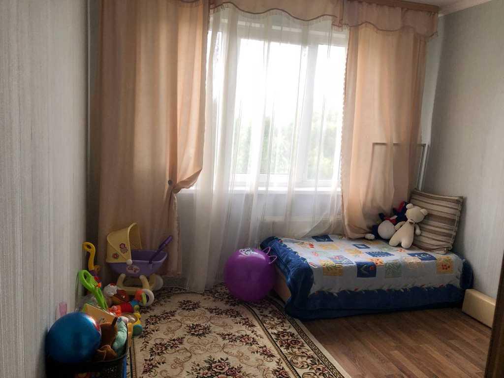 Продается трехкомнатная квартира за 4 500 000 рублей. Дмитров, улица Космонавтов, 50.