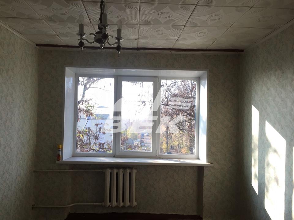 Продам 1 комнат[у,ы] в городе Курск, на улице Ольшанского, 4-этаж 4-этажного Кирпич дома, площадь: 100/13/12 м2