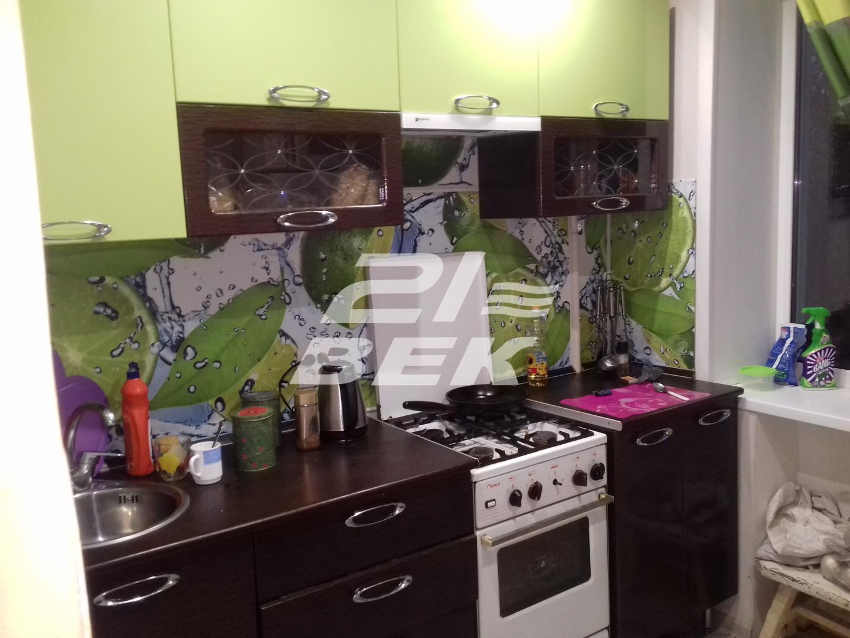 Продам 2-комнатную квартиру в городе Курск, на улице Чернышевского, 10, 4-этаж 9-этажного Кирпич дома, площадь: 45/28/6 м2
