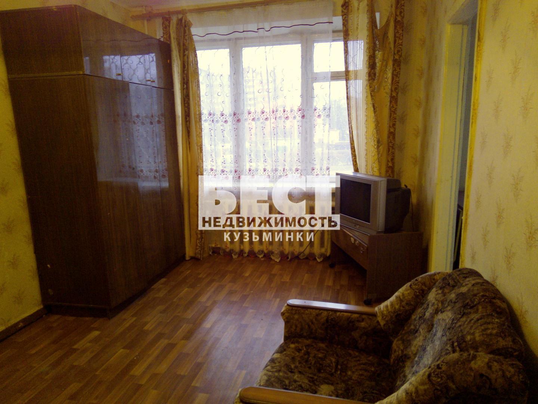 Продается двухкомнатная квартира за 1 830 000 рублей. Воскресенск, улица Менделеева, 19.