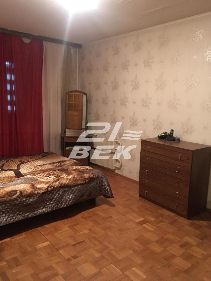 Продам 3-комнатную квартиру в городе Курск, на улице Студенческая, 2, 5-этаж 10-этажного Панель дома, площадь: 76/51/9 м2