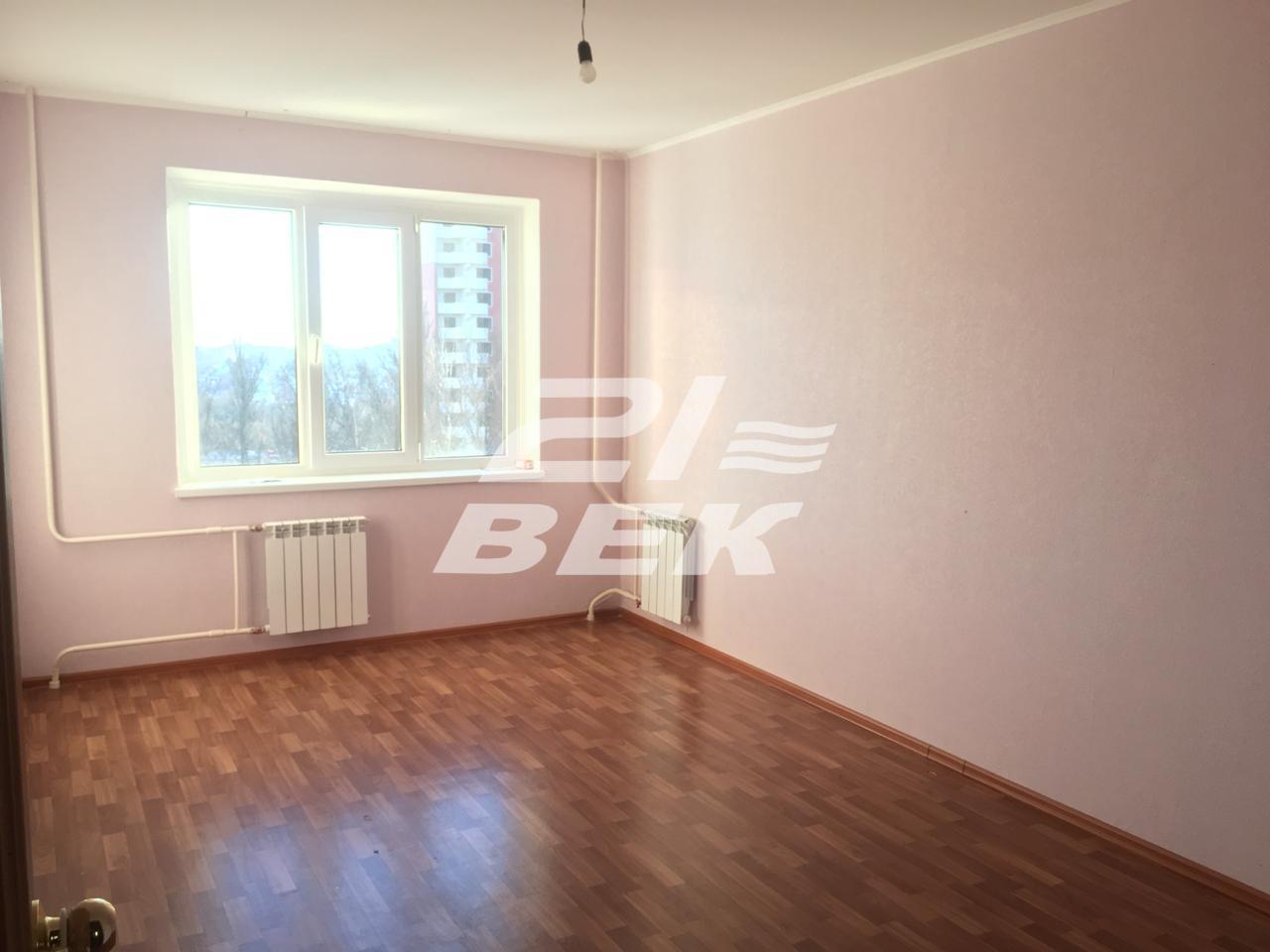 Продам 3-комнатную квартиру в городе Курск, на улице проспект Анатолия Дериглазова, 7, 8-этаж 17-этажного Панель дома, площадь: 83/48/11 м2