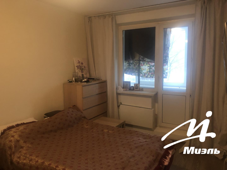 Продается двухкомнатная квартира за 4 500 000 рублей. Пушкино, микрорайон Дзержинец, 32.
