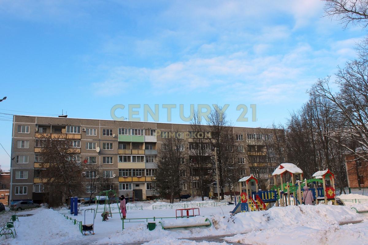 Продается однокомнатная квартира за 2 500 000 рублей. Московская обл, г Чехов, поселок Любучаны, ул Заводская, д 4.