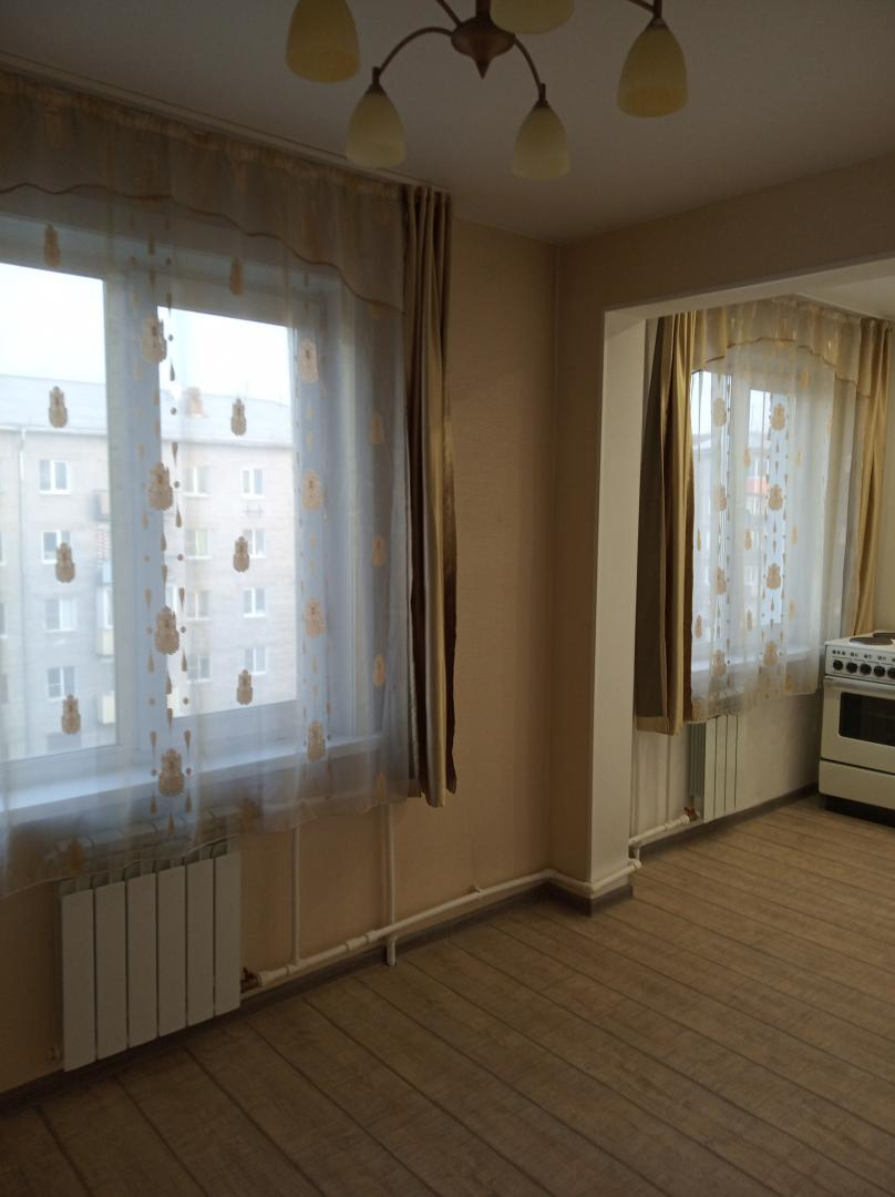 Продается трехкомнатная квартира за 3 300 000 рублей. г Улан-Удэ, ул Жердева, д 88.