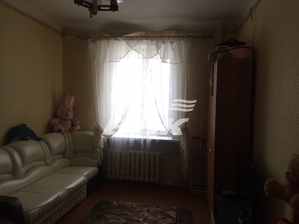 Продается двухкомнатная квартира за 1 600 000 рублей. г Курск, ул Республиканская, д 24А.