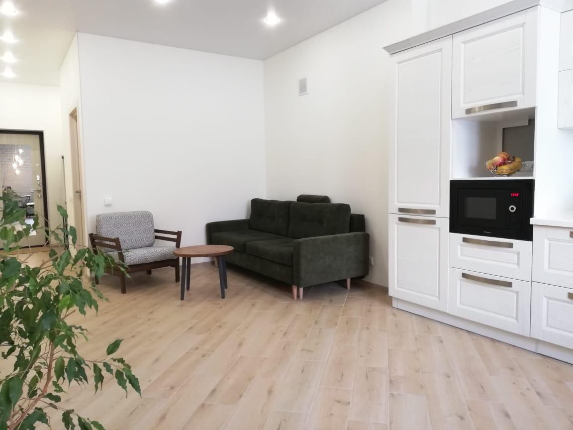 Продается трехкомнатная квартира за 6 500 000 рублей. Дубна, Университетская улица, 20.