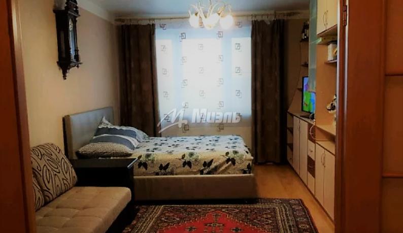 Продается трехкомнатная квартира за 9 100 000 рублей. Троицк, микрорайон В, 52.