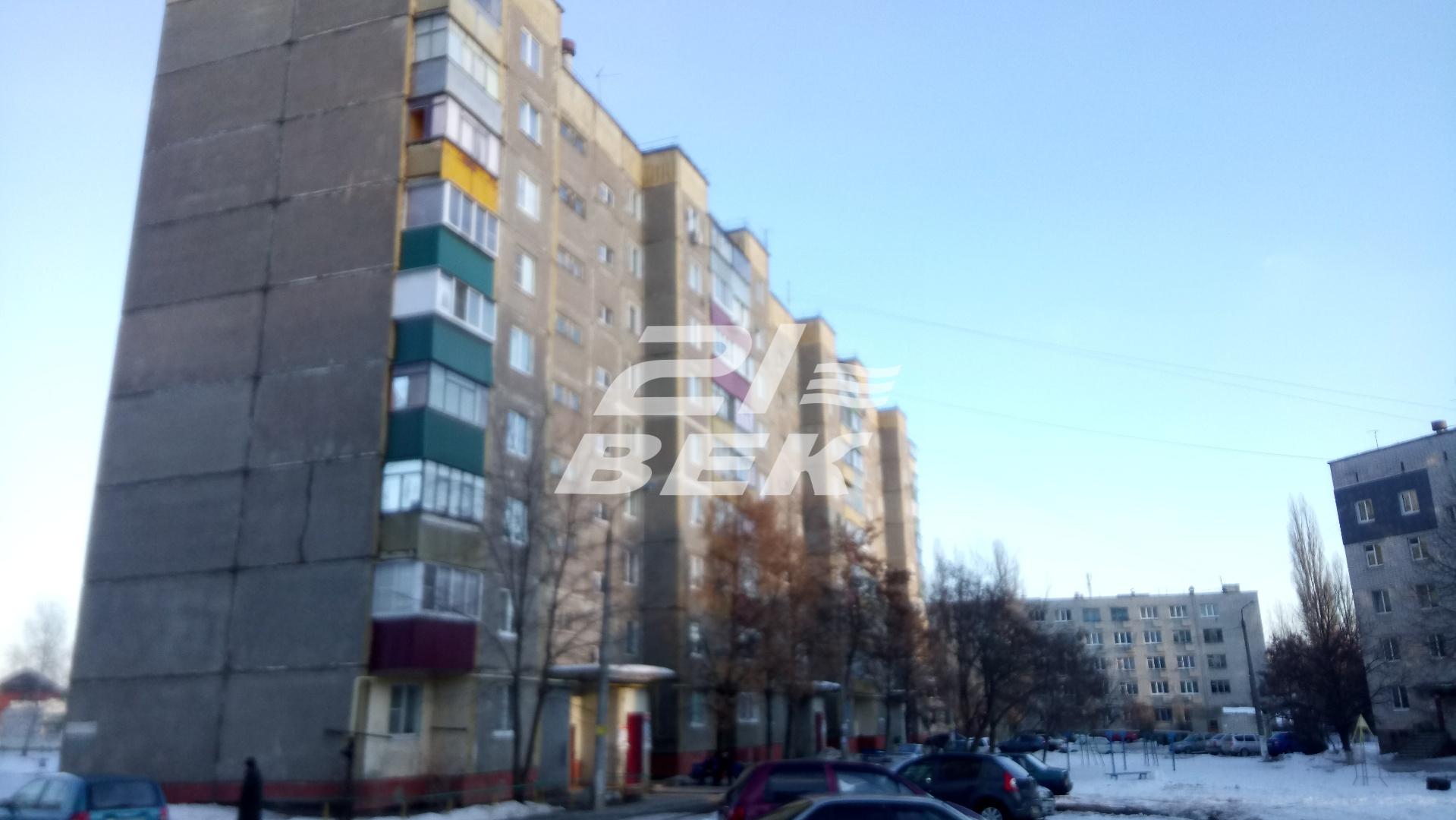 Продается трехкомнатная квартира за 2 350 000 рублей. г Курск, ул Союзная, д 71В.