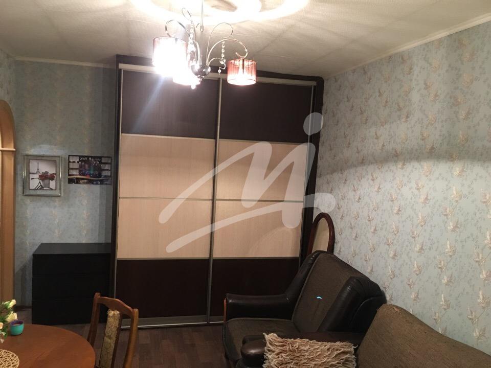 Продается однокомнатная квартира за 2 700 000 рублей. Лобня, Деповская улица, 9.