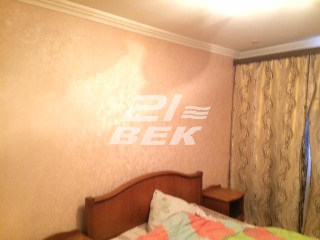 Продается двухкомнатная квартира за 2 300 000 рублей. г Курск, ул Сосновская, д 5.