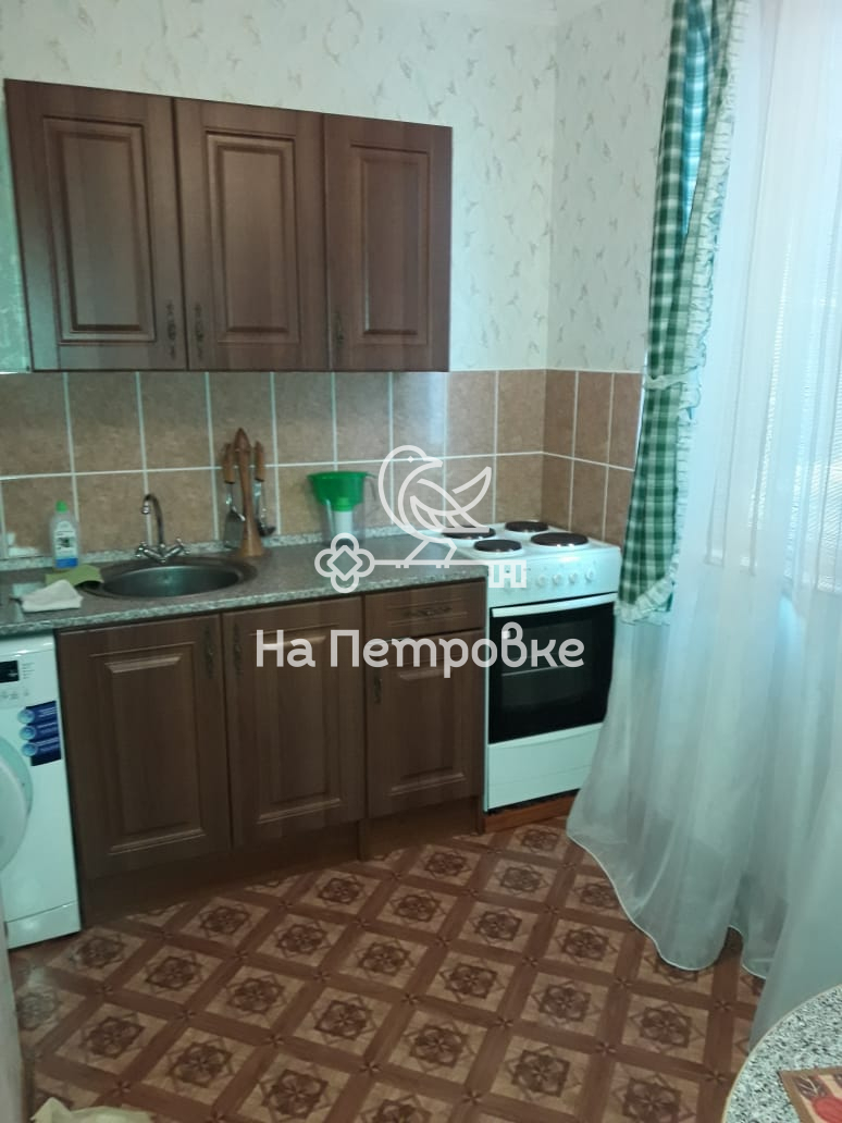 Продается однокомнатная квартира за 3 950 000 рублей. Московская обл, г Королев, пр-кт Космонавтов, д 36.