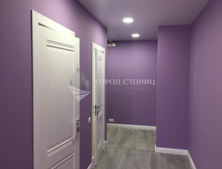 Продается трехкомнатная квартира за 10 500 000 рублей. Ленинградская обл, г Луга.