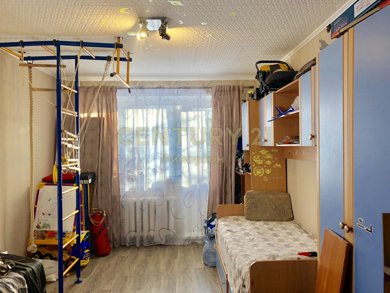 Продается двухкомнатная квартира за 2 600 000 рублей. Московская обл, г Чехов, ул Маркова, д 1/3.