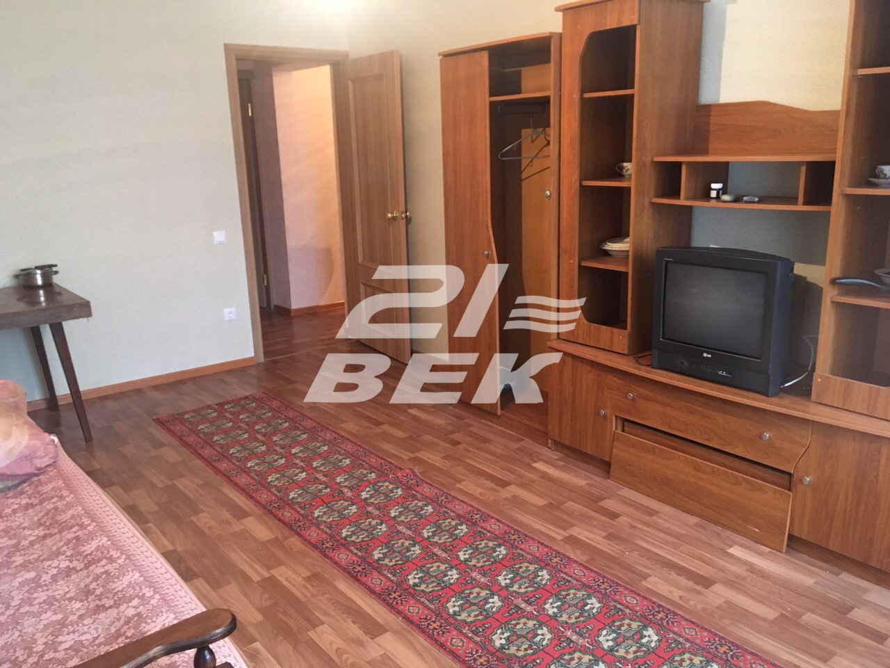 Продается трехкомнатная квартира за 2 600 000 рублей. г Курск, пр-кт Анатолия Дериглазова, д 61.