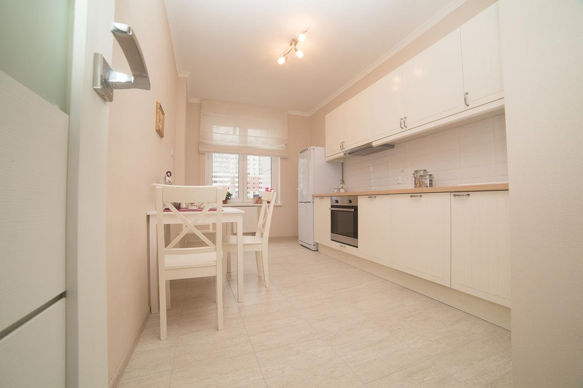 Продается трехкомнатная квартира за 6 345 936 рублей. Красногорск, жилой комплекс Изумрудные Холмы.