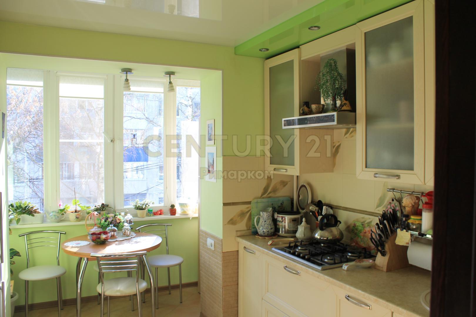 Продается двухкомнатная квартира за 4 150 000 рублей. Московская обл, г Чехов, ул Гагарина, д 86.