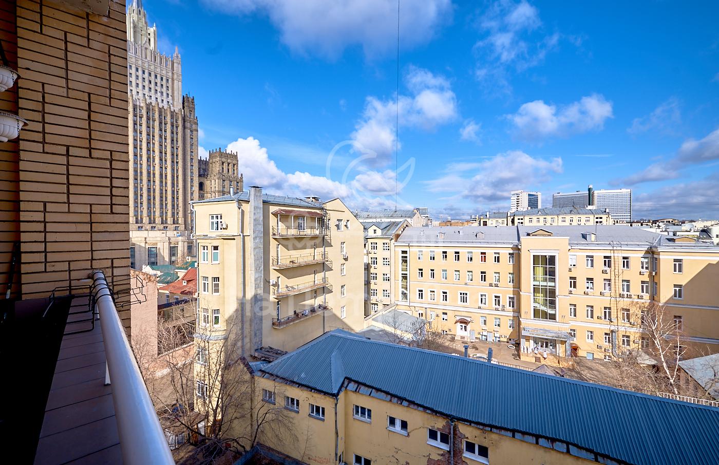Продам 5-комн. квартиру по адресу Россия, Москва и Московская область, Москва, Плотников переулок, 13 фото 3 по выгодной цене