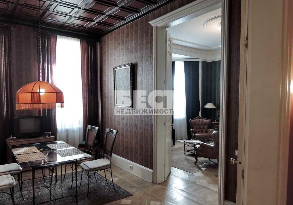 Продается четырехкомнатная квартира за 45 000 000 рублей. г Москва, пер Харитоньевский Б., д 14.