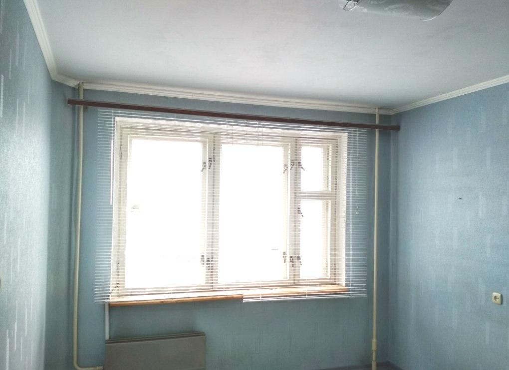 Продается четырехкомнатная квартира за 2 250 000 рублей. г Киров, ул Павла Корчагина, д 211А.