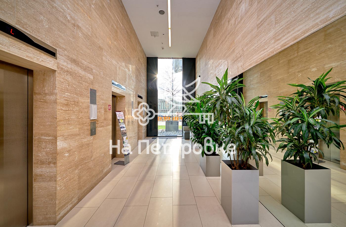 Продается четырехкомнатная квартира за 50 050 000 рублей. г Москва, ул Мосфильмовская, д 8.