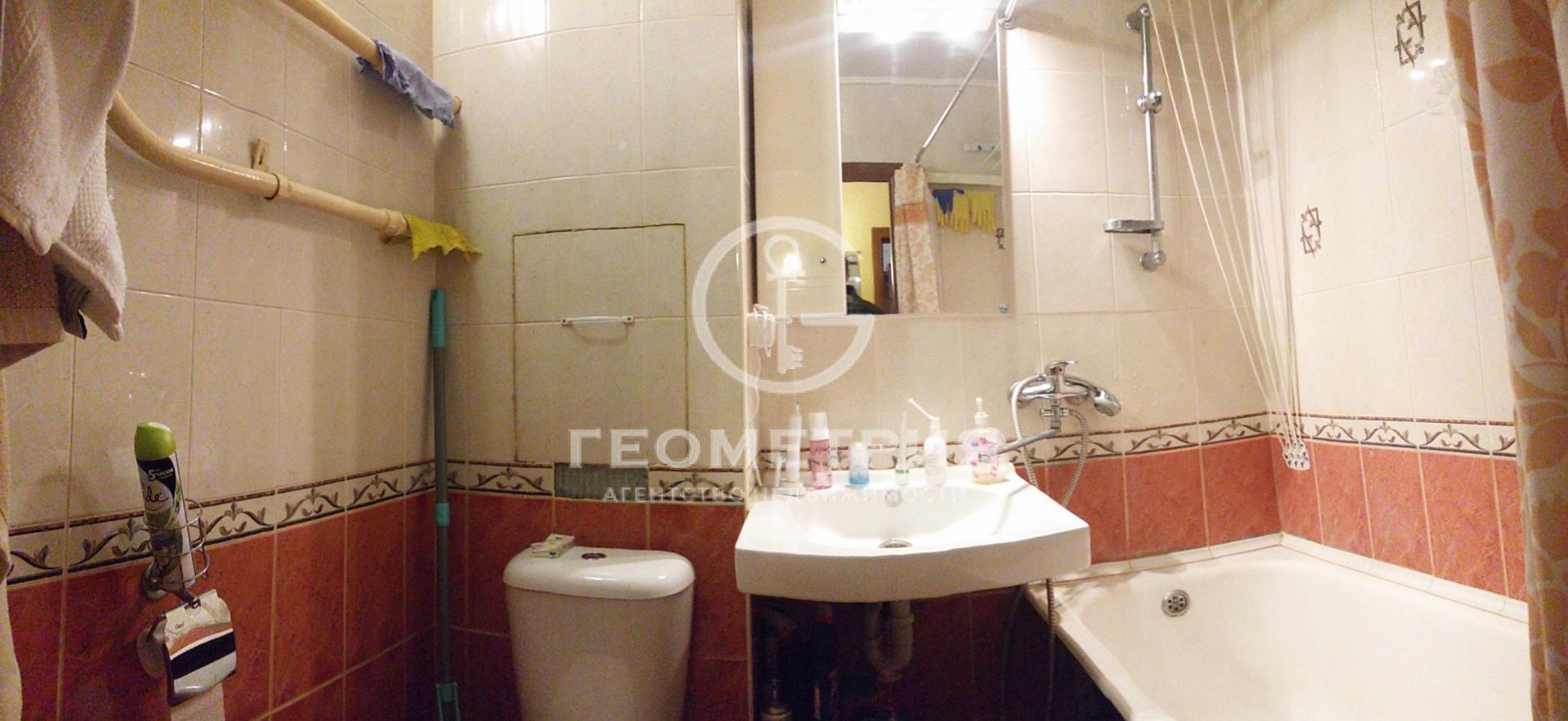 Продается однокомнатная квартира за 8 000 000 рублей. г Москва, Варшавское шоссе, д 122.