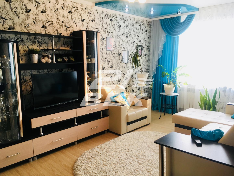 Продается трехкомнатная квартира за 2 800 000 рублей. г Курск, ул Орловская, д 22.