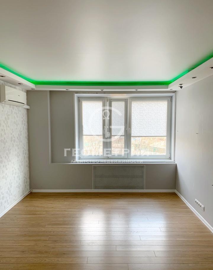 Продается трехкомнатная квартира за 10 000 000 рублей. г Москва, проезд Купавенский М., д 1.