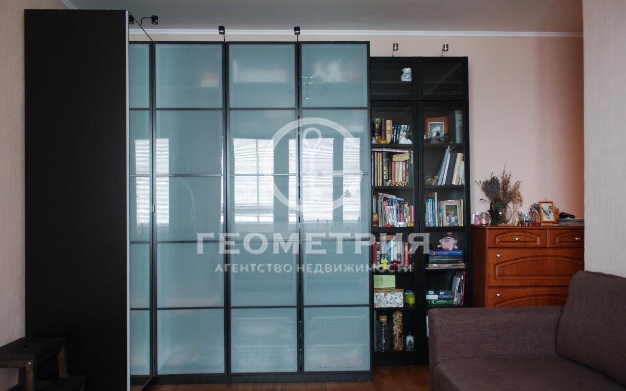 Продается двухкомнатная квартира за 9 100 000 рублей. г Москва, ул Декабристов, д 21.