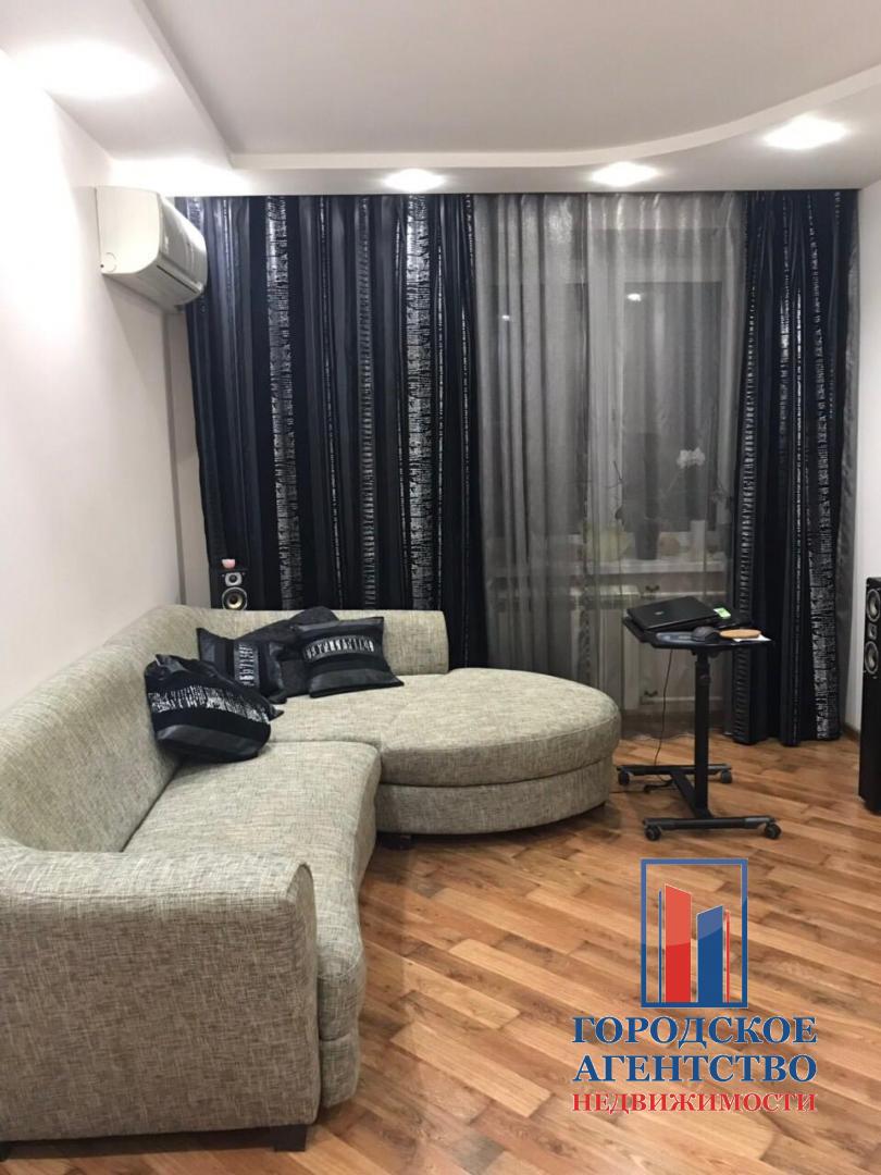 Продается трехкомнатная квартира за 4 300 000 рублей. Московская обл, г Серпухов, ул Ворошилова, д 111.