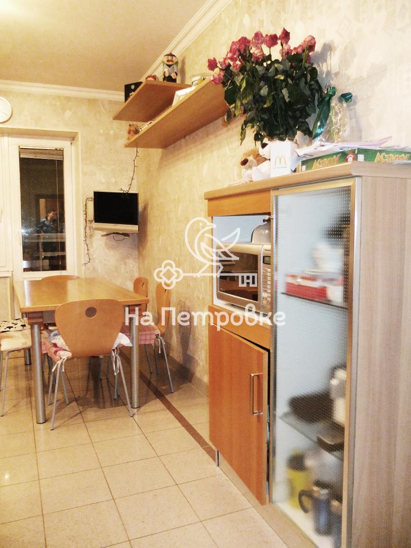 Продается четырехкомнатная квартира за 33 000 000 рублей. г Москва, Староватутинский проезд, д 17.