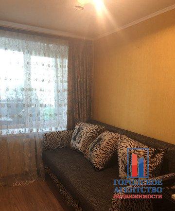 Продается трехкомнатная квартира за 4 100 000 рублей. Московская обл, г Серпухов, ул Ворошилова, д 144.