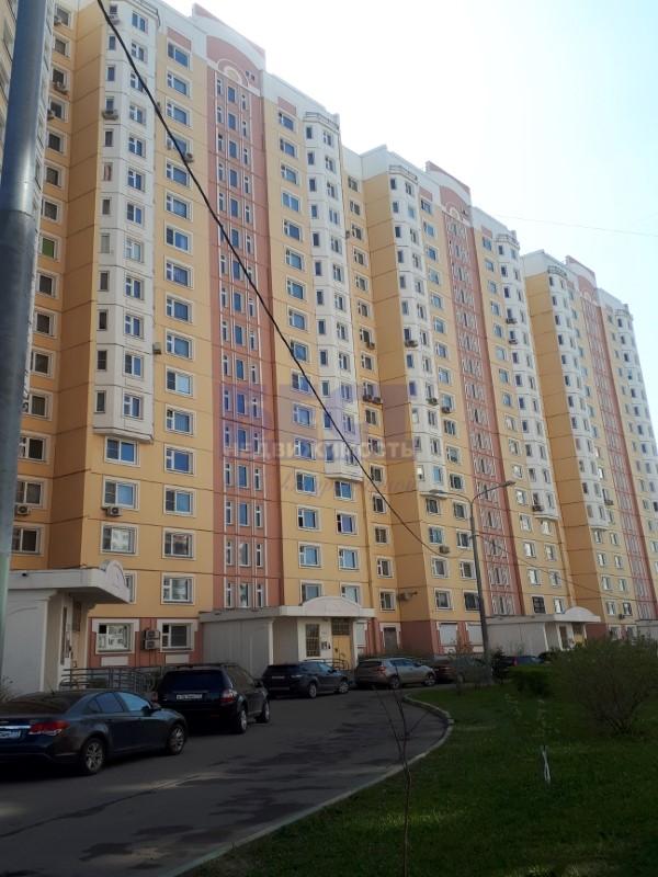 Продается трехкомнатная квартира за 12 800 000 рублей. г Москва, ул Лукинская, д 8.