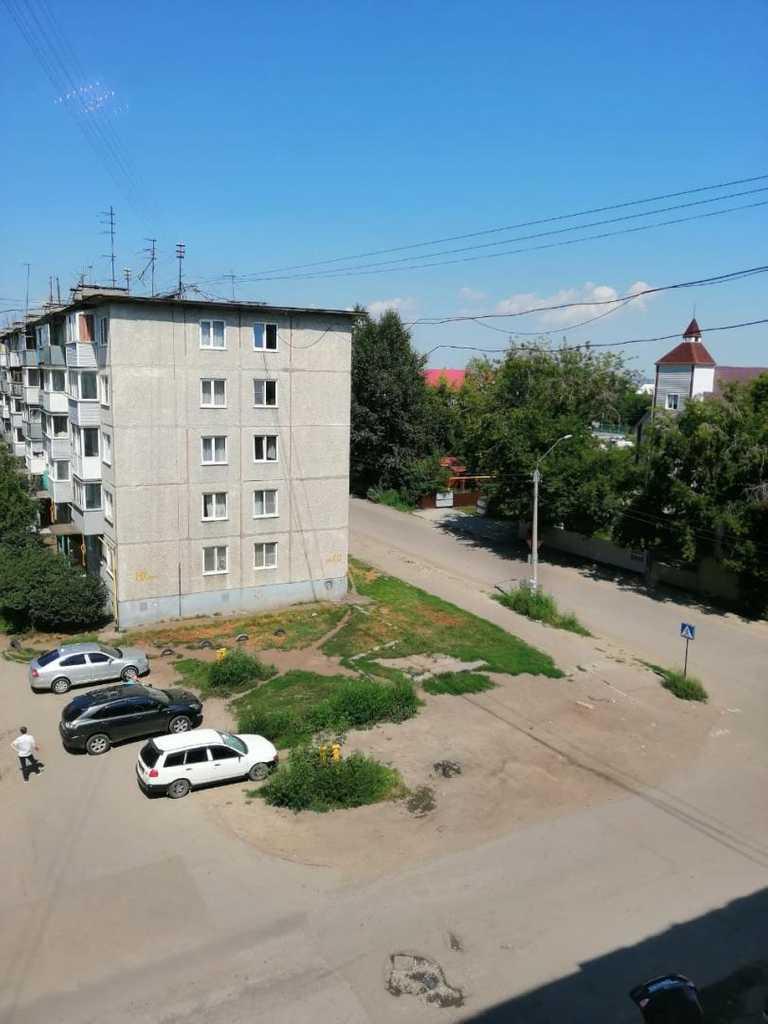Квартира на продажу по адресу Россия, Алтайский край, городской округ Новоалтайск, Новоалтайск, Партизанская улица, 8