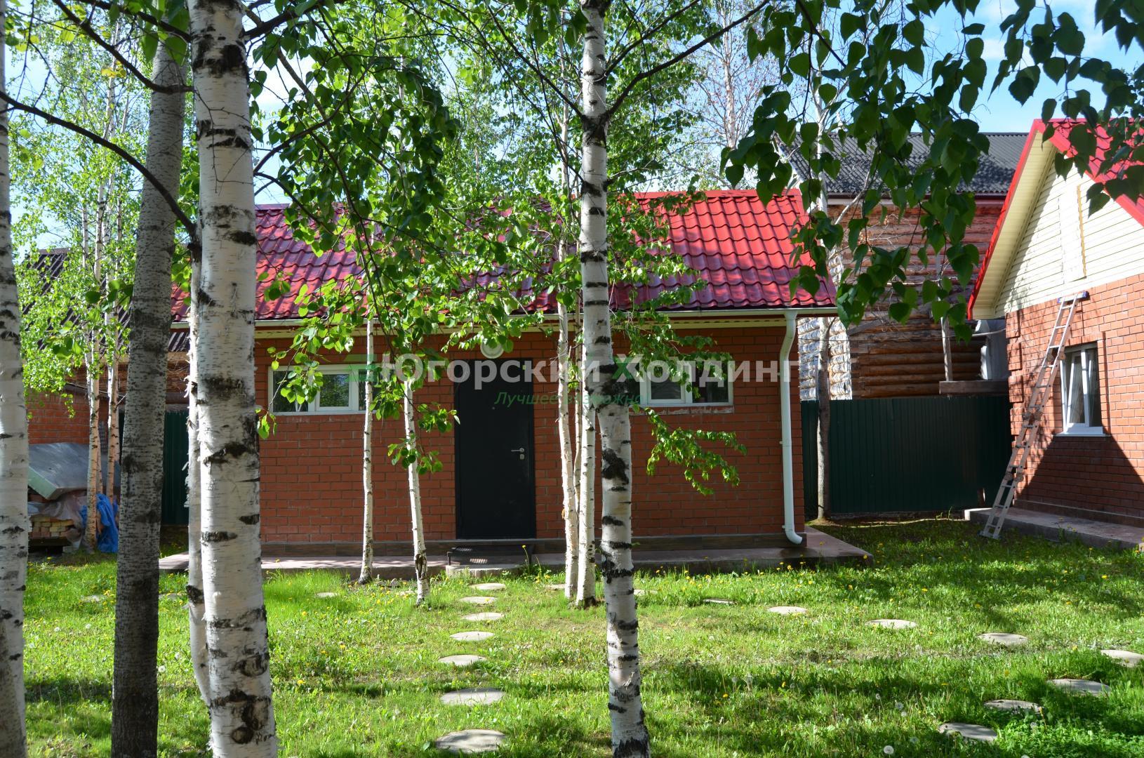Дача на продажу по адресу Россия, Тюменская область, Ханты-Мансийский автономный округ, Сургут, садовое товарищество Кедровый