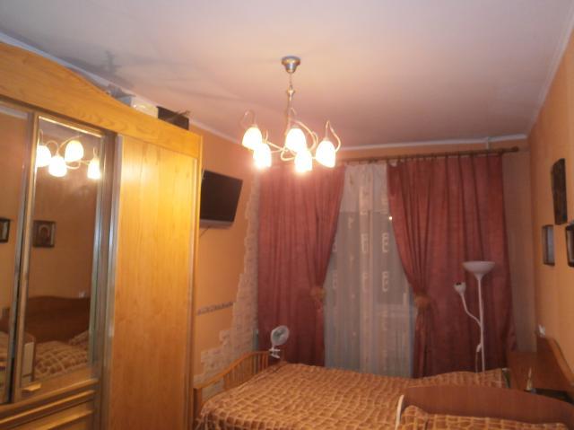 Продаётся 3-комн.               квартира, 18 сот,  Волгоград,               Дзержинский, улица 8-й Воздушной Армии, 40