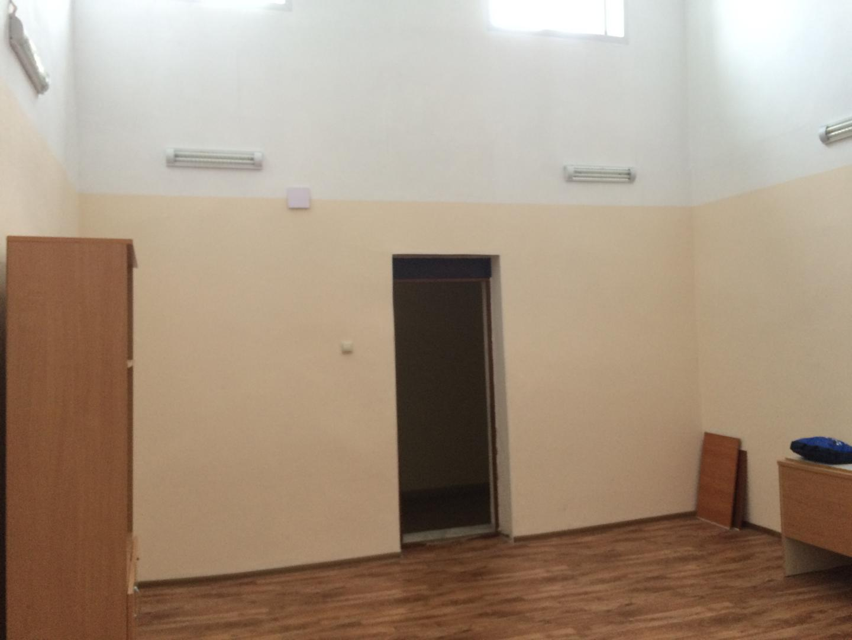 Аренда  офисно-торговые кремлевская, 13