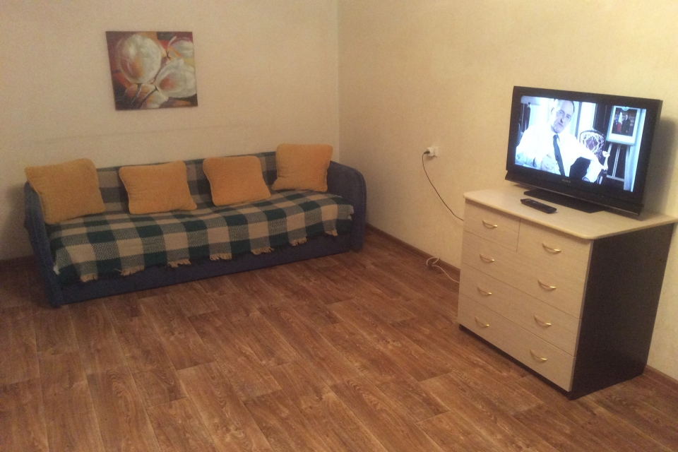 срочно продам уютную 2-х комнатную квартир ...