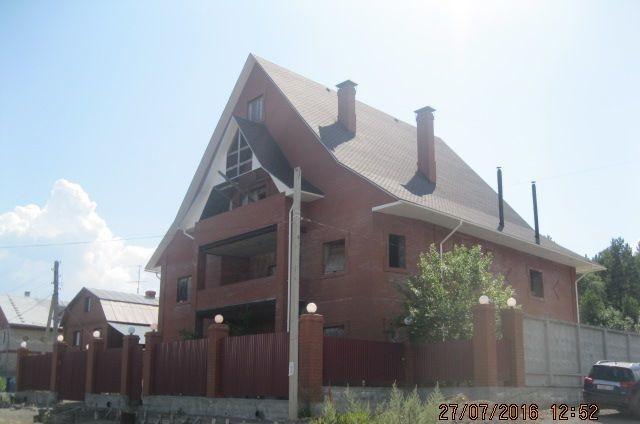 продам 4-х уровневый дом общей площадью 754 кв. ...