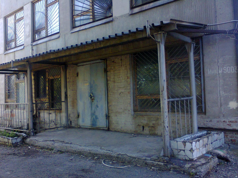 Продаётся 2-комн.               коммерческая, 8.5 сот,  Волгоград,               Советский, Слесарная улица, 101