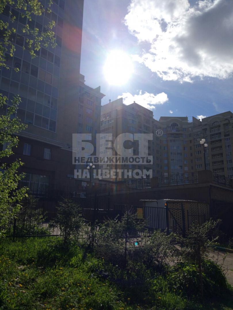 Продается трехкомнатная квартира за 6 270 000 рублей. Дмитров, Большевистская улица, 20.