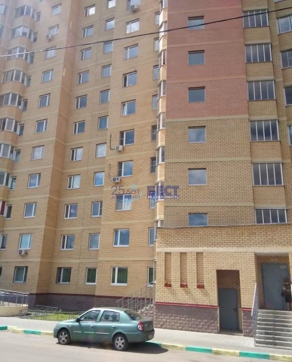 Продается двухкомнатная квартира за 4 200 000 рублей. Московская обл, г Лыткарино, мкр 4а, д 1.